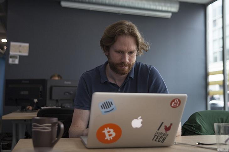 https://backend.streetpress.com/sites/default/files/bitcoin2.jpg