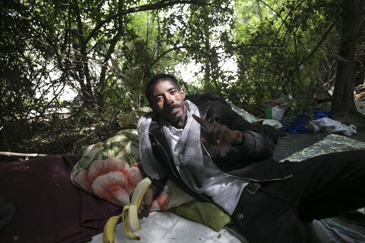 https://backend.streetpress.com/sites/default/files/migrant-bois-dormoy-campement.jpg