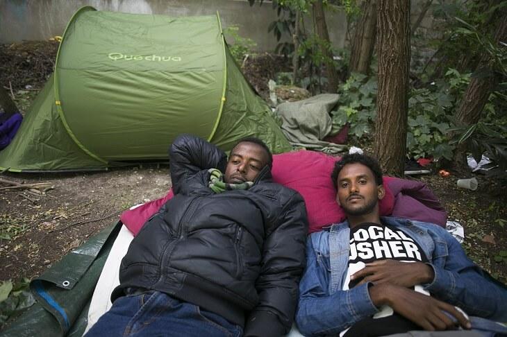 https://backend.streetpress.com/sites/default/files/migrant-bois-dormoy-tente-jungle.jpg