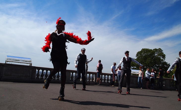 https://backend.streetpress.com/sites/default/files/roller-dance-montmartre.jpg
